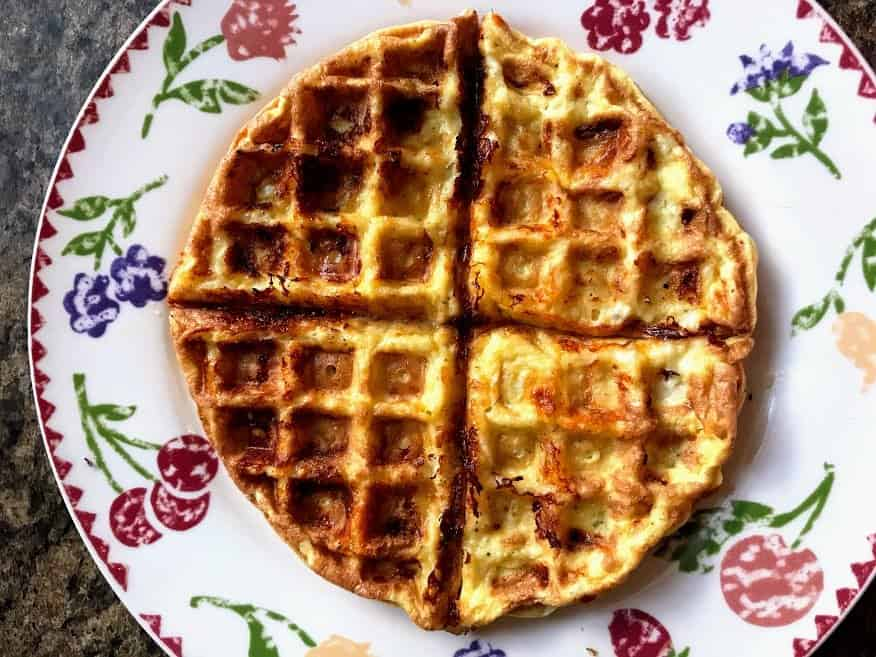 Cheddar Cheese Chaffle with Almond Flour
